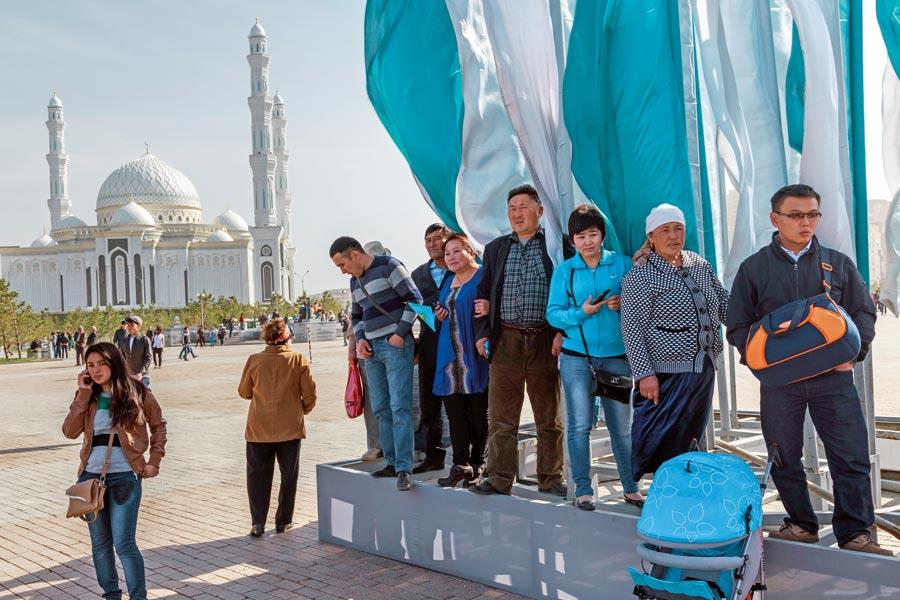 Kazakistan-Astana: Rüzgâr'ın başkenti - Sayı 255