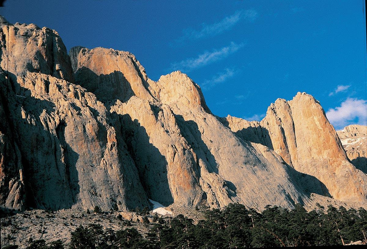 Dedegöl Dağları'nda Kaya Tırmanışı