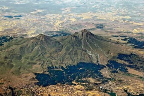 Orta Anadolu Volkanları, Uyuyan Devler
