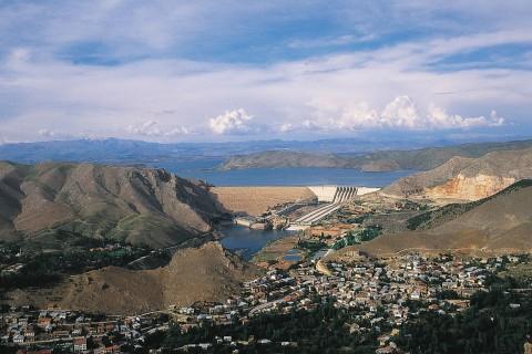 Fırat Uygarlıkları: Tarihin Aktığı Nehir