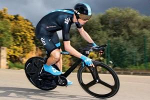 Chris Froome, 2013'te Fransa Turu'nun bir numaralı favorisi. Bisikletçi, bu büyük etkinlik öncesi mart ayında İspanya'daki Criterium Internacional yarışında da pedal bastı.     Chris Froome, 2013'te Fransa Turu'nun bir numaralı favorisi. Bisikletçi, bu büyük etkinlik öncesi mart ayında İspanya'daki Criterium Internacional yarışında da pedal bastı.  Fotoğraf: Tim De Waele / Corbis