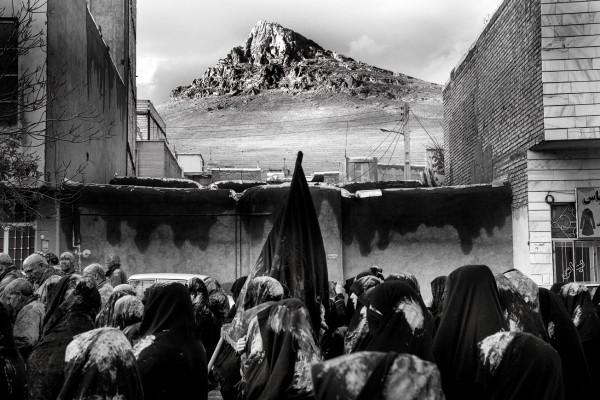 İran'da Aşura: Toprağa Bulanan Ağıt