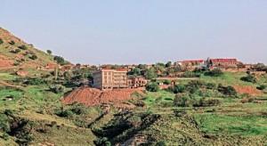 Gökçeada Bademliköy'deki otel, hukuka aykırı şekilde sit alanı içinde inşa edildi.