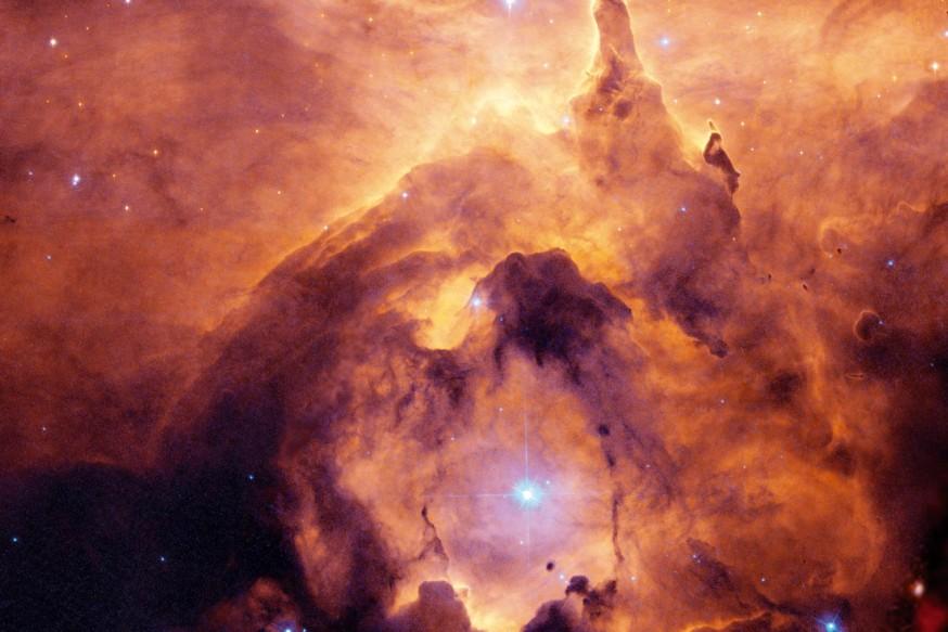 NGC 6357:  Dev Kütleli Yıldız
