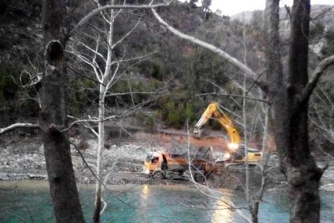 Köprüçay'ın Çakılları Baraj İnşaatına Harç Yapılıyor