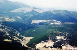 Isparta'da Davraz dağının eteklerinde mermer      ocaklaru0131 | Atlas |