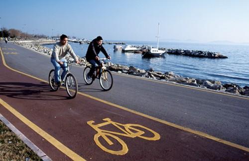 sahil kenarında bisiklet ile ilgili görsel sonucu