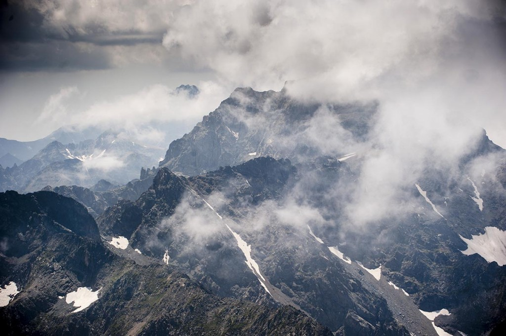 Altıparmak Dağları; Karadeniz'in  Zigguratları