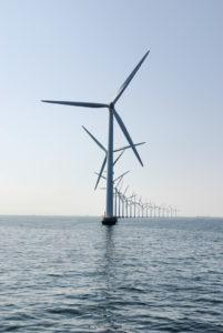 Danimarka, Kuzey Kutup Dairesinin rüzgar avantajını enerji üretimi için kullanıyor.