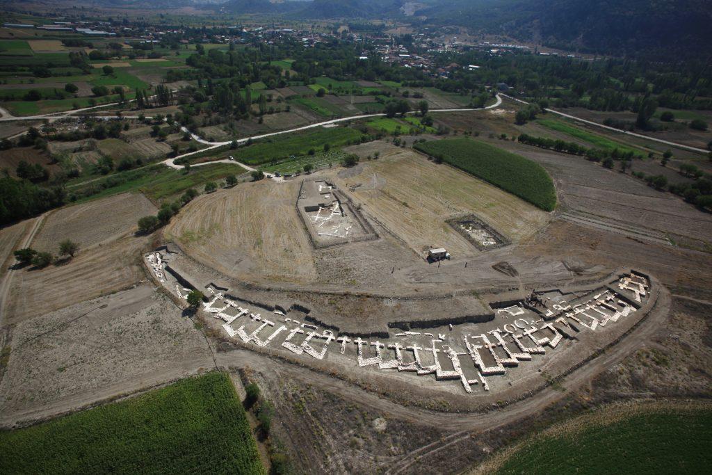 Anadolu'da benzeri olmayan testere dişli surların sırrı... | Atlas | Arkeoloji