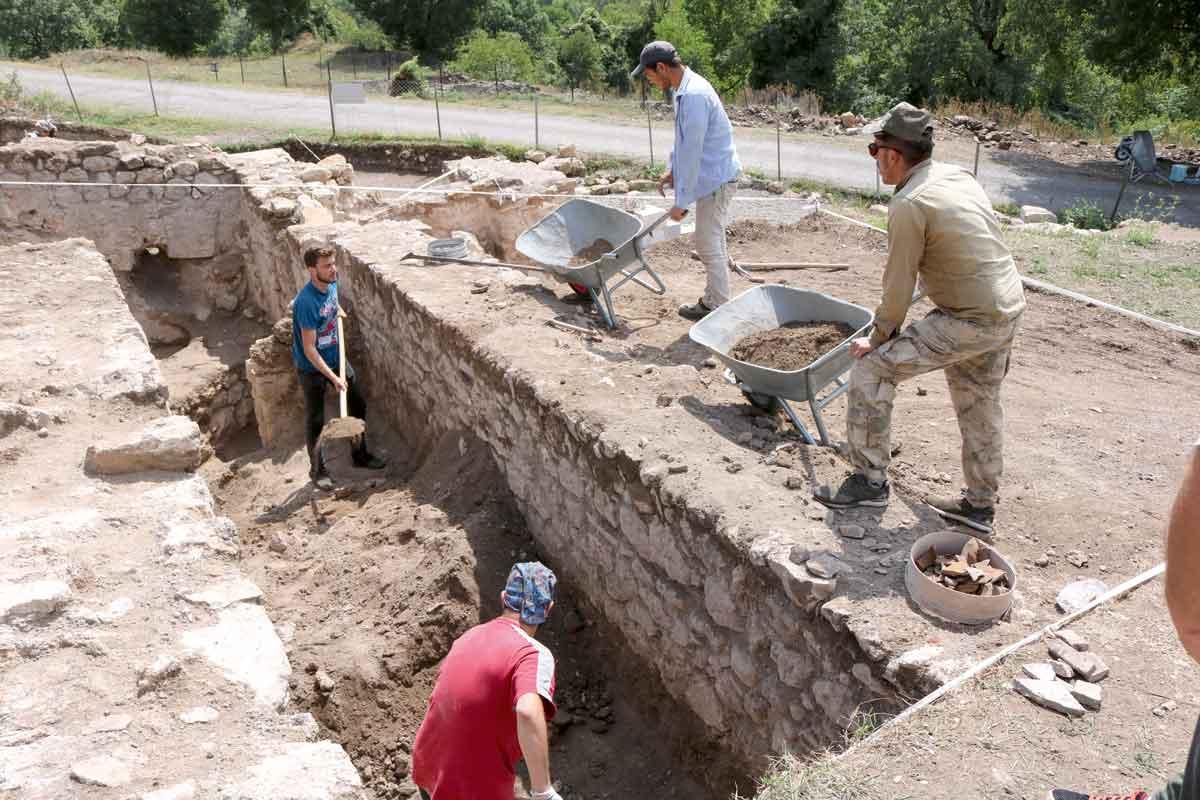 Karadeniz mozaikleri – Hadrianoupolis / Karabük | Atlas | hadrianoupolis antik kenti