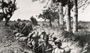 Çanakkale'de siperde İngiliz askerleri | Atlas |