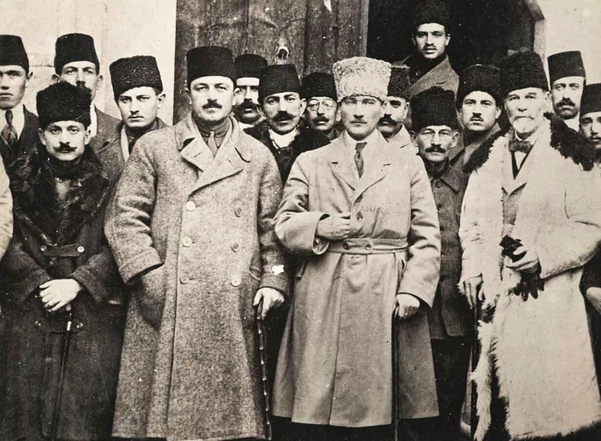 """İlber Ortaylı'dan Mustafa Kemal'in """"ilk adım"""" kararı: """"Samsun'a, İstanbul'a dönmek için çıkmadı""""   Atlas   Mustafa Kemal Atatürk"""