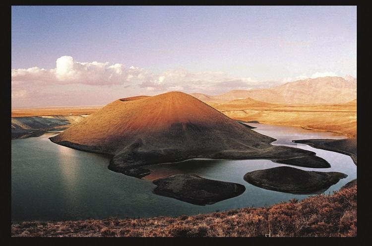 Domino etkisi: Türkiye'nin kuruyan gölleri | Atlas | Keşfet