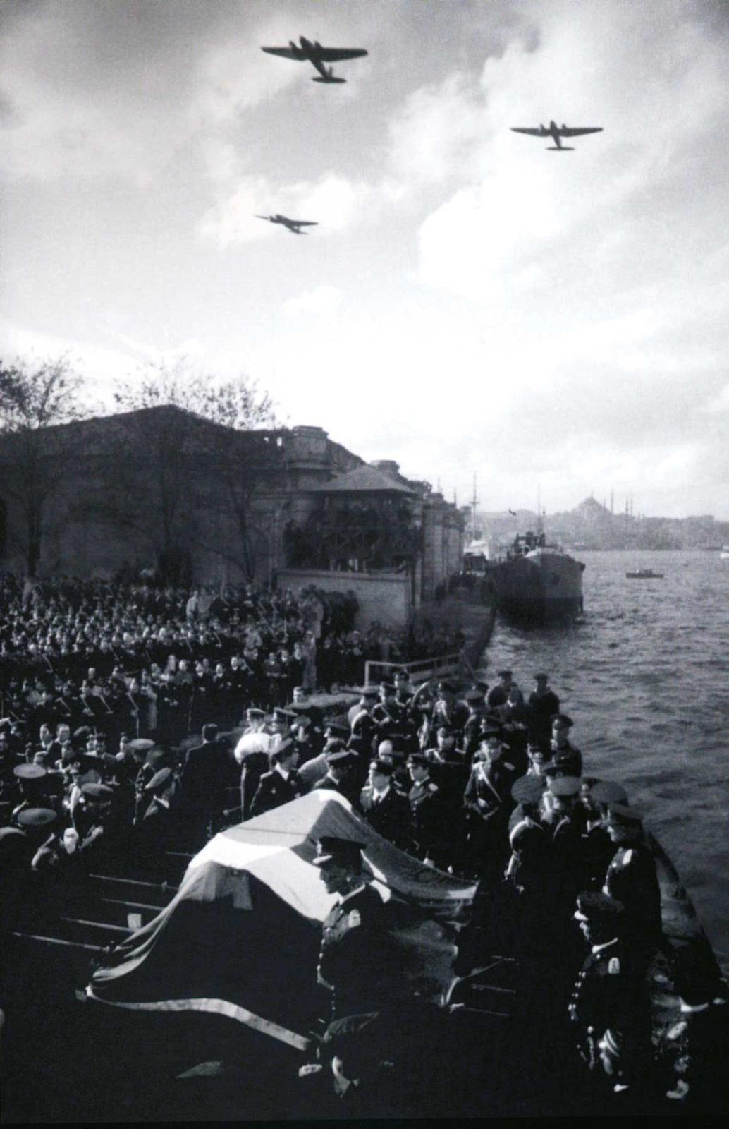 Atatürk'ün Son Yolculuğu: Adım Adım Cenaze Töreni | Atlas | Atlas Tarih